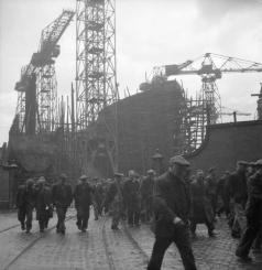 Glasgow_Shipyard-_Shipbuilding_in_Wartime,_Glasgow,_Lanarkshire,_Scotland,_UK,_1944_D20847