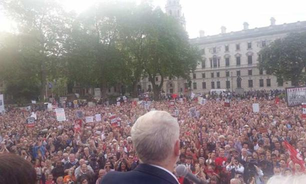 corbyn-crowd-lgr
